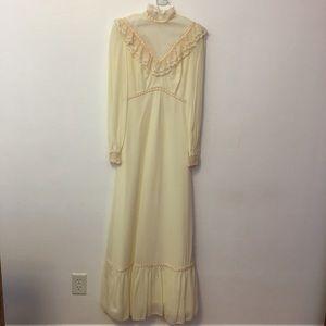 Vintage IGLWU 1970's Wedding Festival Prairie Lace